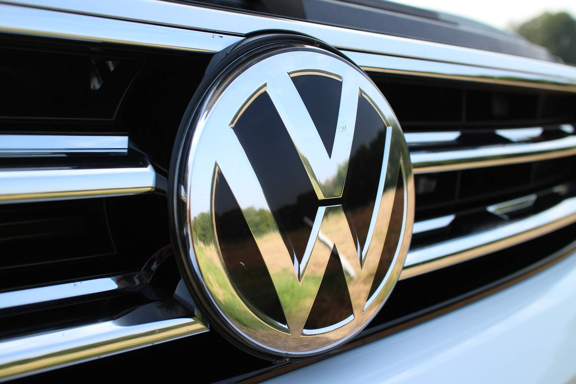 Volkswagen invests €900m in Swedish battery firm